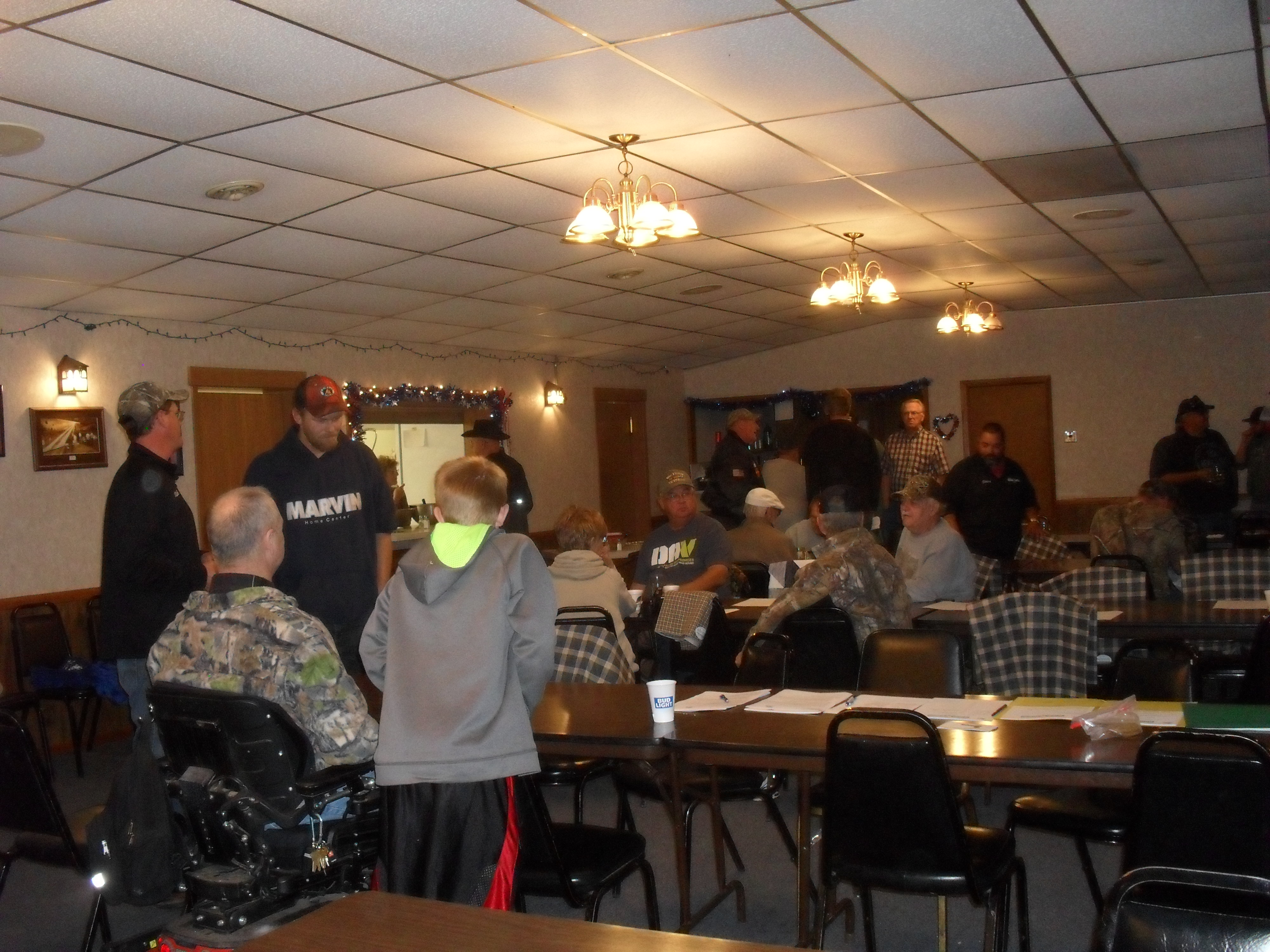 Food, Comraderie and guides & hunters getting aquainted 10-6-17